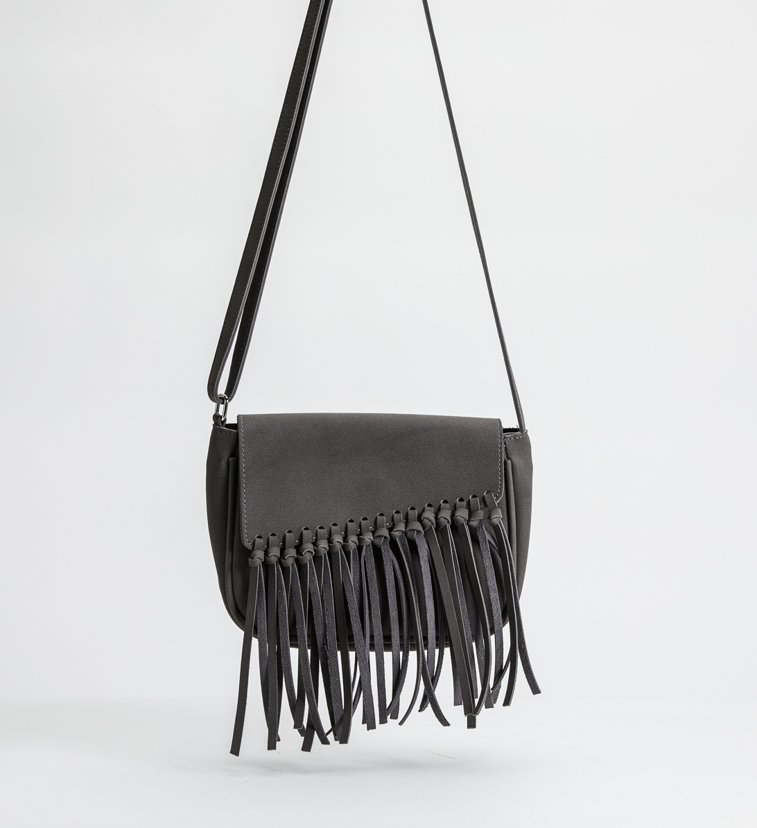 silver-jeans-co-fall-handbags-fringe-crossbody